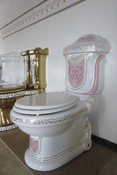 Cool Toilets, Wc Set, Luxury Toilet, Small Toilet Room, Chair Back Covers, Shabby Chic Pink, Bathroom Design Luxury, Chic Bathrooms, Bathroom Toilets
