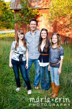Maria Erin Photography | Grand Rapids Families | Family, Barn, Blue, What to Wear