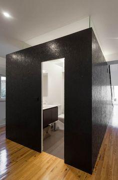 Cube salle de bain en agglo noir