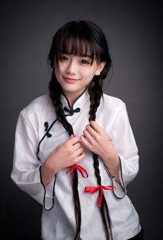 """""""南笙姑娘""""制服美照 清纯童颜美得让人窒息的图片 2"""
