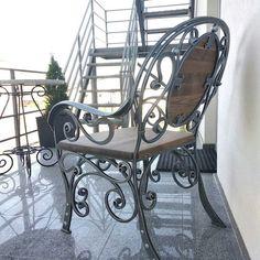 ფოტოსურათები Serega Plus Iron Furniture, Funky Furniture, Furniture Design, Outdoor Furniture, Wrought Iron Bench, Victorian Greenhouses, Outdoor Chairs, Outdoor Decor, Old Doors