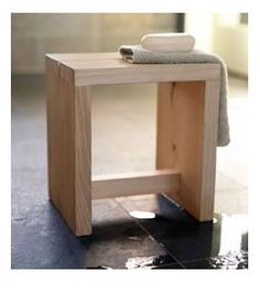 *Love* this Hinoki Wood Sauna Stool. Small Furniture, Wooden Furniture, Furniture Projects, Wood Projects, Furniture Design, Diy Stool, Wood Stool, Wooden Stool Designs, Hinoki Wood