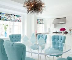 House of Turquoise: Fawn Galli Interior Design Love the lucite dining table and vases! Turquoise Dining Chairs, Turquoise Chair, Tufted Dining Chairs, Blue Chairs, Dining Table, Dining Rooms, Kitchen Dining, Velvet Chairs, Dining Area
