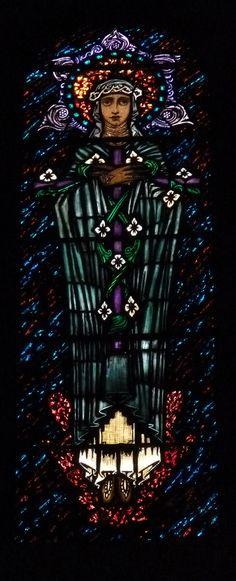 Catherine of Sienna by Harry Clarke - The Church of St. Edmund, Ashton in Makerfield. Antique Stained Glass Windows, Stained Glass Paint, Stained Glass Panels, Harry Clarke, Pierre Loti, Catholic Gentleman, St Joan, Irish Art, Sacred Art