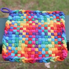 woven potholder Potholder Loom, Potholder Patterns, Crochet Patterns, Pot Holders, Cup Cozies, Arts And Crafts, Diy Crafts, Stupid Stuff, Weaving Patterns