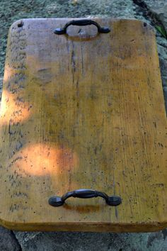Serving Tray made of salvaged American barn wood, totally love this!!! Have got to make some!!,