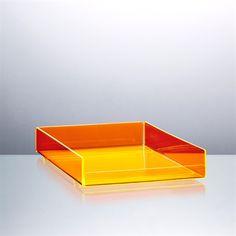 Orange-gul brevbakke fra funkyneon.dk. Så lækker, at man får helt lyst til at rydde op på sit skrivebord...
