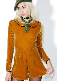 For Love & Lemons Collette Romper will show ya all kinds of new things, babe. This gorgeous long sleeve romper features a plush dark amber velvet construction, sleek 'N tailored fit, wide peter pan collar, and thin black lace trim.