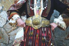 The beautiful of - the overcoat with its exquisite , is called Sagia worn in the wider area of Thessaloniki. Folk Costume, Costumes, Greek Traditional Dress, Alexander The Great, Headpiece, Macedonia Greece, Thessaloniki, How To Wear, Popular
