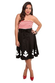 I don't know why I can't stop looking at this dress. Is it the kitsch-factor? Or is it my secret longing to be a true-blue-sailor?