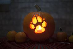 Howl-O-Ween Pumpkin Carving Contest | Great Wolf Resorts #win a gift card! #GWLHowlOWeen #contest