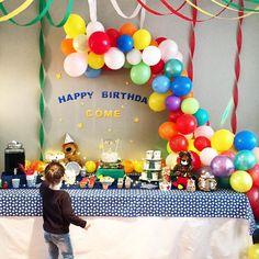 Ma fille est allé à un anniversaire de malade !! Jamais j'oserais rendre l'invitation... Ils ont de la chance ces petits monstres...perso petite c'était 3 bonbons un gâteau maison et basta !  Bravo à @my_pop_party pour l'orga. Et merci à la maman qui a si bien reçu nos petits amours  #birthday #birthdayparty #party #balloons #anniversaire #ballons #kids #enfants #mygirl #mylove #maman #mum #parents #famille . . My daughter went to an amazing birthday !! Never would I dare to make the…