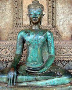 Buddha sitting outside Wat Saket, Vientiane, Laos. by Andy Bracey Lotus Buddha, Art Buddha, Buddha Statues, Buddha Peace, Gautama Buddha, Buddha Buddhism, Laos, Buddhist Philosophy, Buddha Sculpture