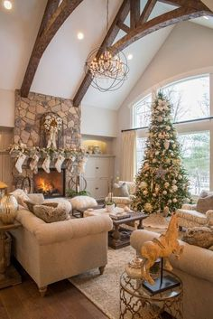 Real Fit Housewife: Christmas with the Kortes' To me, Christmas has always been about going a little over the top. Adding just a little more sparkle, glitter and shine. Home Interior, Interior Design, Home Living Room, Christmas Home, Great Rooms, My Dream Home, Real Fit, Future House, Beautiful Homes