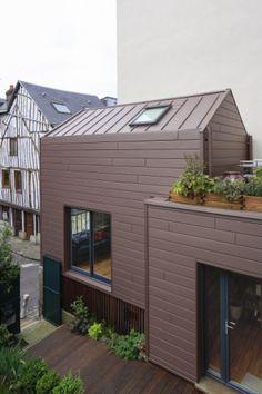Private house, Rouen (France) by Sarah Bigot, Rouen  #architecture #zinc #PrivateHouse #france #VMZINC