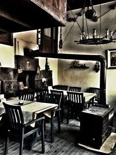 meyhane / birahane (traditional tavern/pub/ bar)