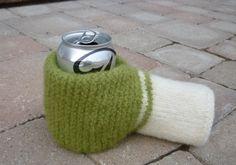 PATTERN Felted Beer Mitten Knitting Pattern. I need this. @Leslie Lippi Riemen Lancaster