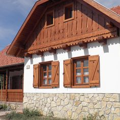 Hungarian house Cabin Homes, Cottage Homes, Wooden House Plans, Barbecue Garden, Window Shutters Exterior, Weekend House, Cottage Exterior, Traditional House, Building Design