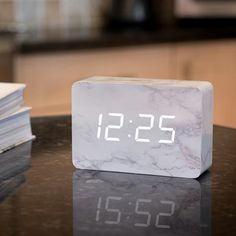 Ging-ko's beautiful portable alarm clock has a wood body with a marble finish. Its white LED digits appear when you snap your fingers, clap your hands, tap Dream Rooms, Dream Bedroom, Smart Home Ideas, Gold Rooms, Cute Room Decor, Minimal Decor, My New Room, Alarm Clock, Room Inspiration