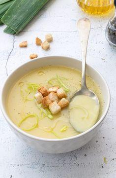 Cream of leek and potatoes, recipe Leek And Potato Recipes, Raw Food Recipes, Vegetarian Recipes, Healthy Recipes, Food Porn, Chowder Recipes, Comfort Food, Gazpacho, Food Humor