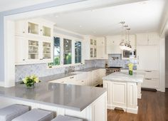 Kitchen Peninsula Design Ideas, Pictures, Remodel, and Decor - page 27