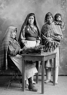 Isleta Pueblo women - Carlotta Chiwiwi and her daughters, María and Felicíta Toura. Early 1900s. Photo by H.S. Poley.