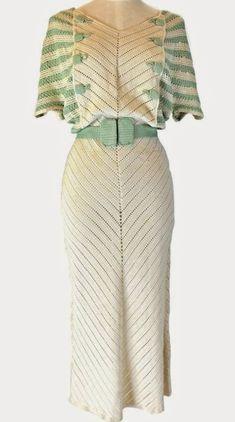fashion for women 1930s Fashion, Art Deco Fashion, Retro Fashion, Vintage Fashion, Fashion Design, Vintage Mode, Look Vintage, Vintage Outfits, Vintage Dresses