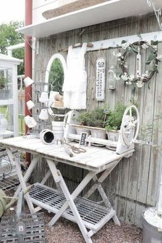 Garden Shed Shabby Chic Potting Tables 61 Ideas Jardin Style Shabby Chic, Blanc Shabby Chic, Shabby Chic Furniture, Shabby Chic Decor, Garden Furniture, Diy Furniture, White Furniture, Industrial Furniture, Outdoor Rooms