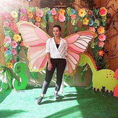 Image may contain: 1 person, outdoor Butterfly Birthday Party, Butterfly Baby Shower, Fairy Birthday Party, Diy Backdrop, Photo Booth Backdrop, School Decorations, Birthday Decorations, Party Kulissen, Vitrine Design