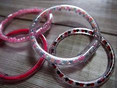 【バザー】チューブブレスレット*簡単カワイイ☆彡【夏休みの作品】   天天記録* Diy For Kids, Handicraft, Round Glass, Diy And Crafts, Glasses, Stone, Bracelets, Silver, Jewelry