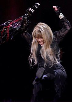 Stevie onstage   ~ ☆♥❤♥☆ ~   high-kicking it