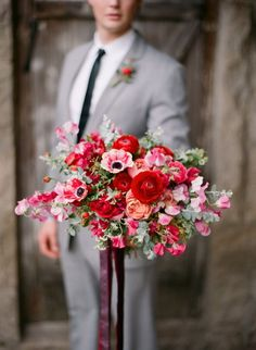 Hey wife, here is your bouquet. Photography: Bryan Miller Photography See more here: http://frtx.co/PxSsOm