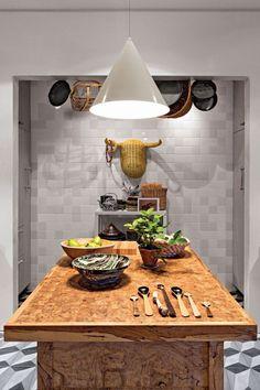 Le designer David Stark et son mari Migguel Anggelo se sont appropriés cet espace situé à Brooklyn après des travaux de rénovation important. Après avoir visité 40 appartements, c'est ce loft qui a re