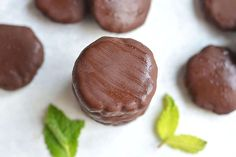 DIY Paleo Thin Mints