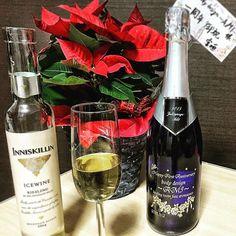 2016/11/26 23:16:36 body_design_ami . Thanks for coming😉 I will make a toast with those wine🇨🇦/champagne🍾 with flower. Thank you for your present🎁 . . Buenas noches😴💤 . . 本日もご来店ありがとうございました😊 . 今日はポメラニアン🐶を眺めながら、これらのワインとシャンパンを頂きます。 . カナダから帰国し、ice wineのお土産を届けてくれたお客様🇨🇦 前職のオーナーから届いたとてもキラキラとキレイなポメラニアン🌺(この方と出逢わなければ、今の自分はないぐらい人生のおいての恩人です) 以前のスタッフ(新町で独立してサロンをオープン)からの名前入りchampagne🍾 . 全て粋なプレゼントで、感謝しかございません🎁 . 大切に大切に頂きます。 . 皆さま、本日も素晴らしい夜をお過ごし下さい♫ . . . ポメラニアンちゃうで、ポインセチアやで🌷…