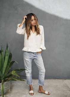 How To Wear Straight Leg Jeans – Casual Outfit – Casual Summer Outfits Mode Outfits, Casual Outfits, Fashion Outfits, Womens Fashion, Boyfriend Jeans Outfit Casual, Denim Outfits, Boyfriend Shirt, Jeans Fashion, Casual Jeans