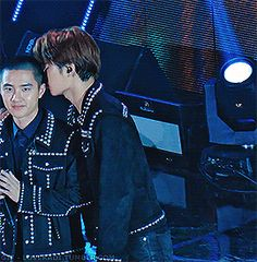 171115 Asia Artist Awards - Ko Ko Bop Encore - Kaisoo: whisper fancam credit: smile -wA-, TheGsd Kaisoo, Baekhyun Fanart, Kyungsoo, Chanyeol, Yixing Exo, Asia Artist Awards, Exo Couple, Ko Ko Bop, Exo Memes