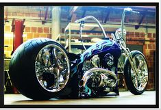 Originally from Minnesota, Matt Hotch has been building custom motorcycles since he was sixteen years old
