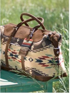 Another Pinner said: Ooooooooh! A perfect match to my Paul Brody Pendleton boots! Miss Moss : pendleton bags My Bags, Purses And Bags, Hobo Bags, Large Purses, Mode Country, Pendleton Bag, Sac Week End, Ethno Style, Gypsy Style