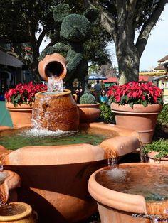 Disney Springs is beginning to dress up for Christmas | TravelGumbo