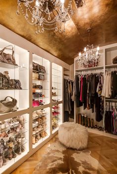 Steps to Your Own Kylie Jenner Inspired Glam Room kylie jenner glam room closet decor ideas.kinda wanna try to diy this roof/ground/selves.kinda wanna try to diy this roof/ground/selves. Glam Closet, Luxury Closet, Closet Bedroom, Bedroom Decor, Closet Space, Wall Decor, Walk In Closet Design, Closet Designs, Sala Glam