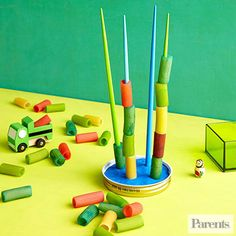 Suggest your child build towers with pasta, adjusting according to his nimbleness.