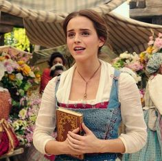 Emma Watson as Belle Beauty and the Beast 2017 Emma Watson Fan, Ema Watson, Beauty And The Beast Movie, Prince Charmant, Wedding Beauty, Princesas Disney, Hermione, Beauty Photography, Role Models
