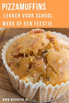 Pizzamuffins: lekker voor school, werk of een feestje | MoodKids Healthy Pizza, Healthy Meals For Kids, Healthy Snacks, Jumbo Muffins, Pizza Muffins, Muffin Tin Recipes, Good Food, Yummy Food, Savoury Baking