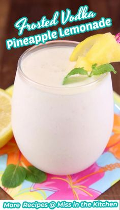 These quick and easy Frosted Vodka Pineapple Lemonade Cocktails are sure to put you in the mood for summertime! A super refreshing and delicious cocktail that tastes like sunshine in a glass. I plan to sip on these all summer long! Cocktails For Parties, Cocktail Desserts, Fun Drinks, Yummy Drinks, Easy Cocktails, Alcoholic Beverages, Cocktail Recipes, Pineapple Lemonade, Vodka Lemonade