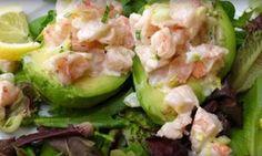 Une salade de crevettes unique, rafraîchissante et parfaite comme petite entrée rapido presto!
