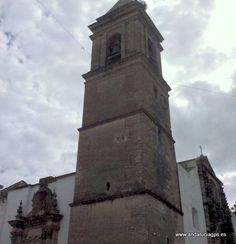 """#Cádiz - Alcalá de los Gazules - Campanario de la Iglesia de San Jorge 37º 27' 47"""" -5º 43' 24"""" / 36.463056, -5.723333  A partir de este templo, que data del siglo XVI, se desarrolló la trama urbana de la población. Su envergadura y su ubicación en la zona más alta lo convierten además en el hito paisajístico más relevante de Alcalá de los Gazules."""