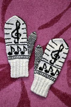 Animal Skeletons, Knitting Projects, Gloves, Socks, Hats, Animals, Wrist Warmers, Hosiery, Hat