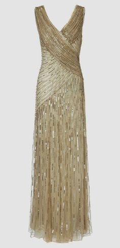 White and Gold Wedding. Gold Wedding ideas - Style Gold Wedding Dress - Affordable Wedding Dresses ---i like the v cut and the skirt only. Vestidos Vintage, Vintage Dresses, Vintage Outfits, Vintage Fashion, Gold Bridesmaid Dresses, Prom Dresses, Dresses Uk, 20s Style Dresses, Long Dresses