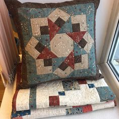 Patchwork Cushion, Quilted Pillow, Patchwork Fabric, Quilt Block Patterns, Quilt Blocks, Patchwork Patterns, Quilt Sets, Quilting Projects, Quilting Designs